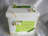 tirelire bambou et orchidée blanche