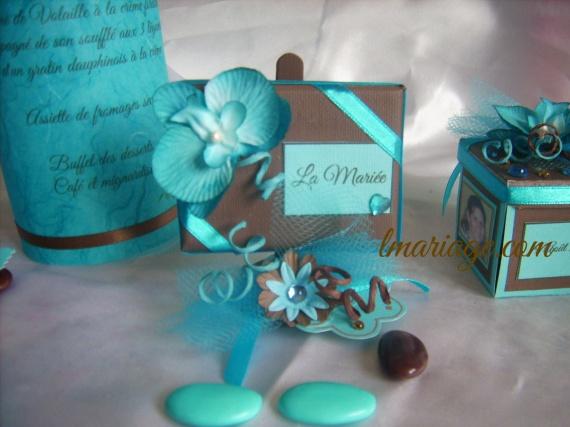 marque place turquoise et chocolat