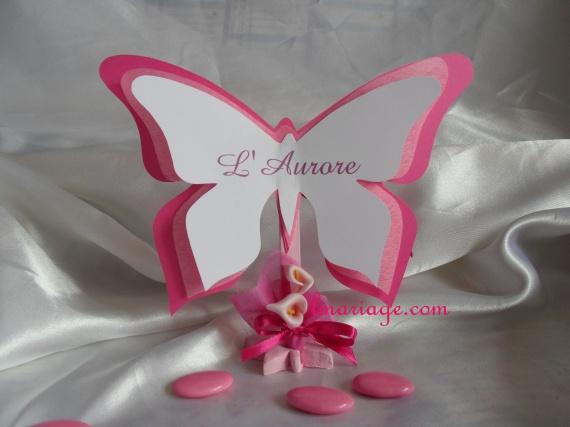 marque table papillon blanc et fushia