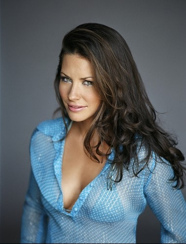 plus beaux yeux evangeline lilly - Coloration Chatain Clair Sur Brune
