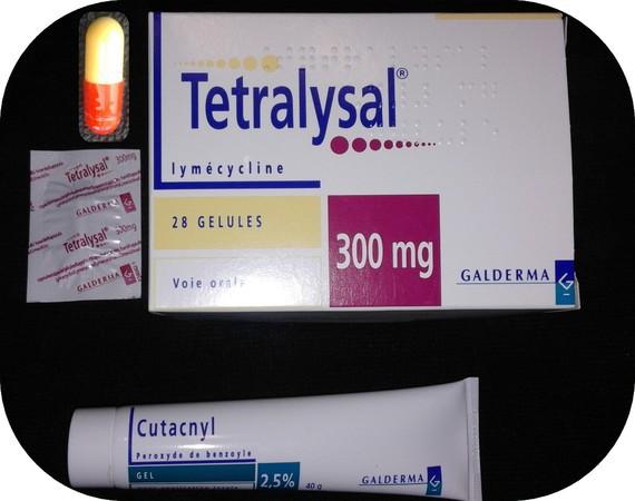 Tétralysal 300mg - Cutacnyl 2,5%