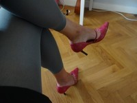 corinne jambes croisées