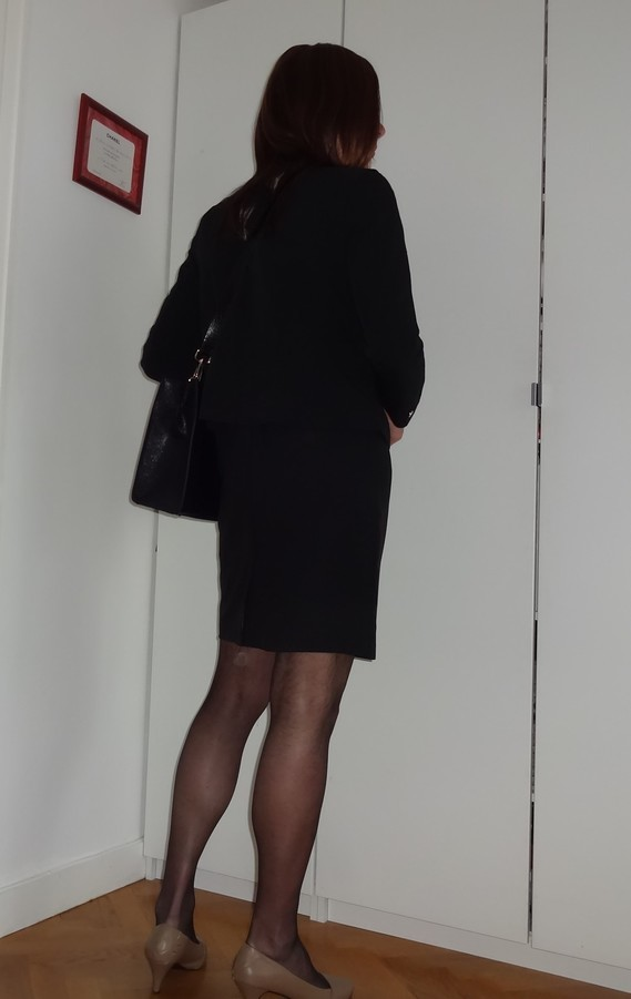 Corinne_quitte bureau