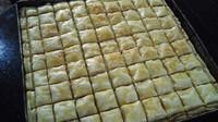 baklawa à pâte à filo après la cuisson
