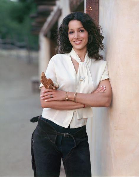 Jennifer Beals - Chemisier blanc