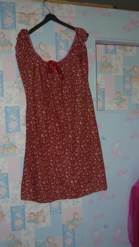 robe rouge a fleur