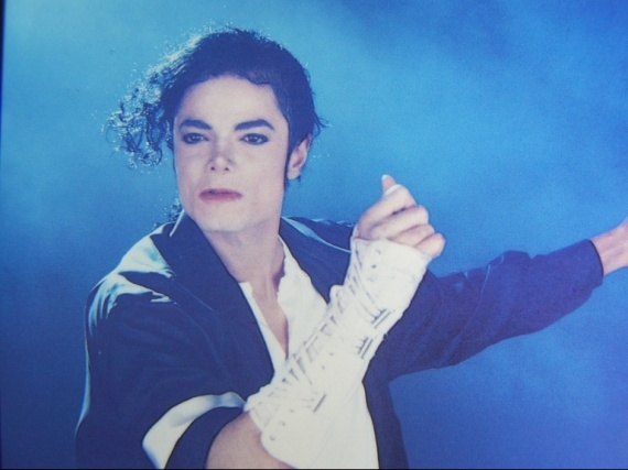 Black-Or-White-michael-jackson-12828554-768-576