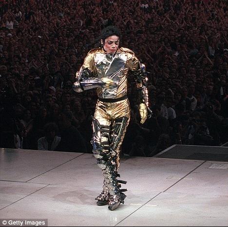 Beautiful-Michael-random-michael-jackson-13410607-468-466