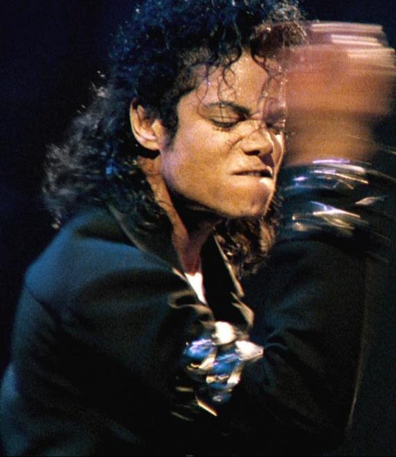 MJ-michael-jackson-19986412-800-923