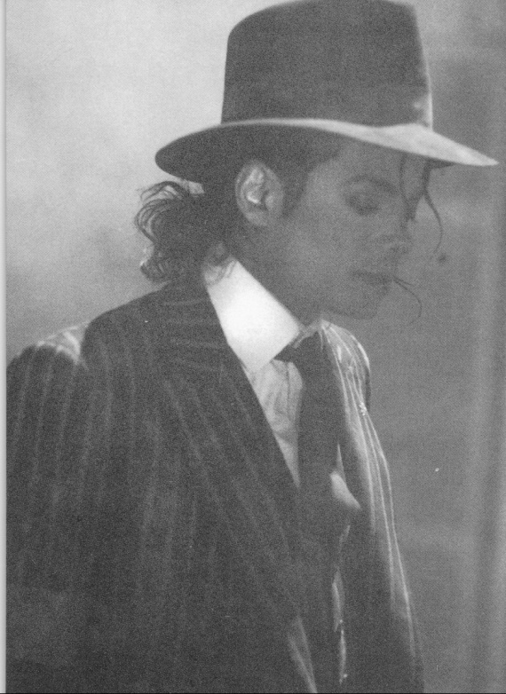 You-are-a-shining-light-michael-jackson-20580130-843-1157