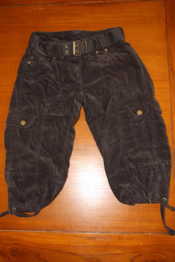 Pantalon en velours marron Camaïeu: 6 euros