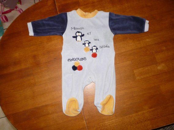 Pyjama 6m 2,50euros