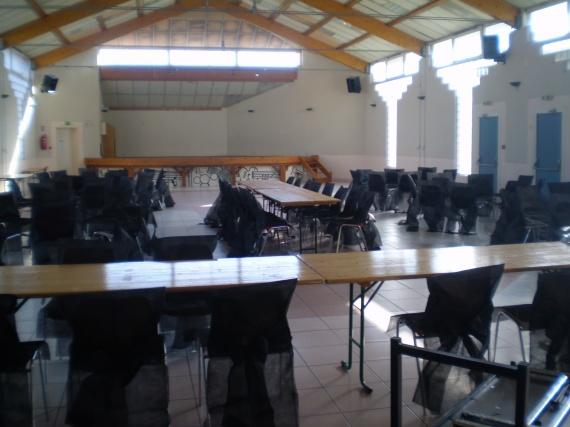 salle des fetes avec housses