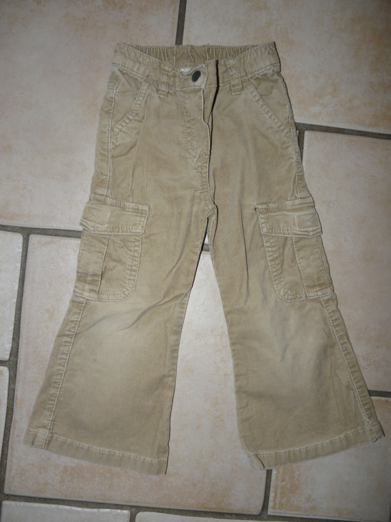 pantalon velours Palomino 3€