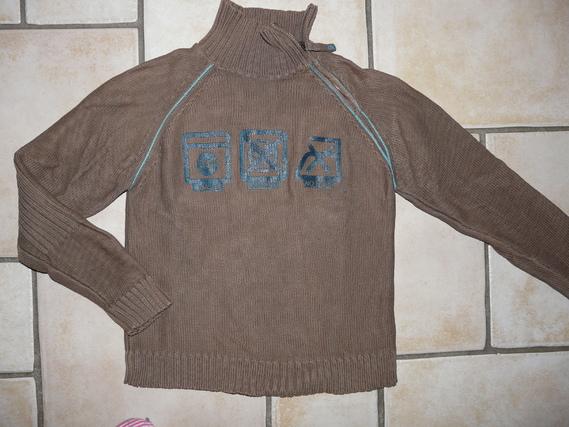 pull marque Okaidi 7,50€