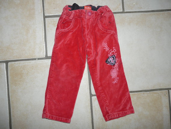 pantalon velours Marese 8,50€