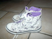 converses pointure 32 24€