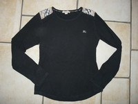 Tshirt (bien noir) Burberry 18,50€ 14 ans