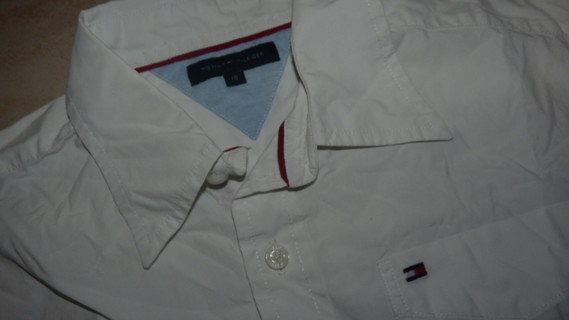 zoom chemise Tommy Hilfiger