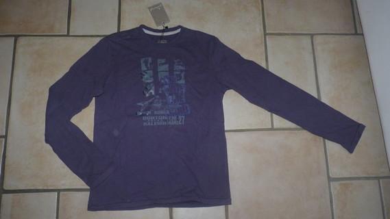 Neuf étiquetté Tshirt Jean Bourget 7,50€