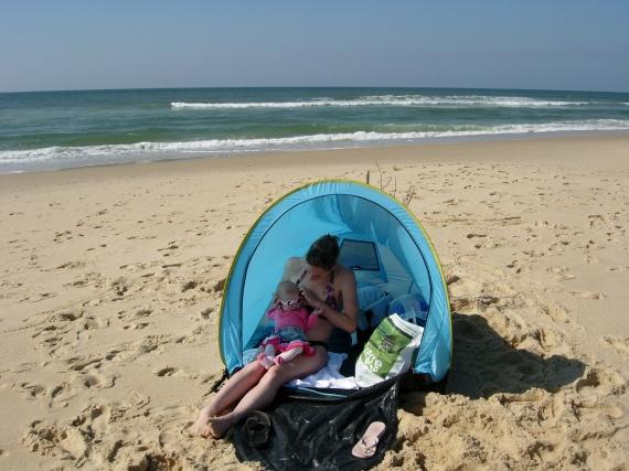 Tente anti uv b b b b s de mars 2011 b b s de l 39 ann e forum grossesse b b - Decathlon tente plage ...