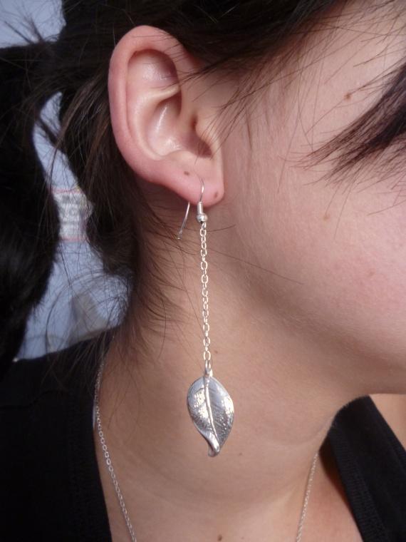 Pair de boucle d'oreille feuille (autres modele de feuille dispo) = 5 euros