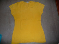 t-shirt jaune camaieu taille 3  ou 40/42 2€