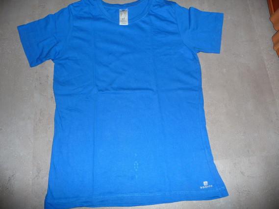 t-shirt domyos 12 ans 2€