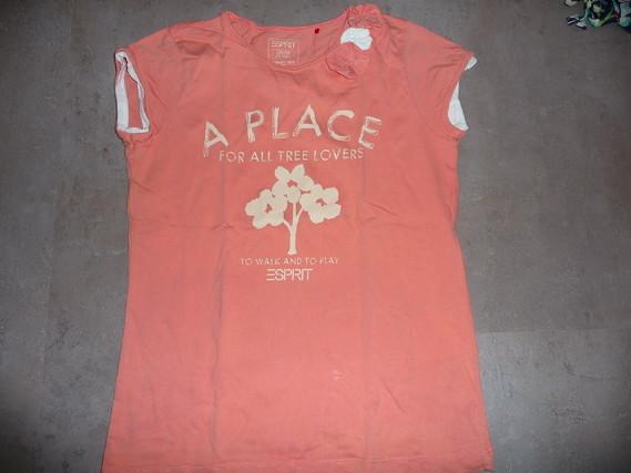 t-shirt esprit 8/9 ans 2€