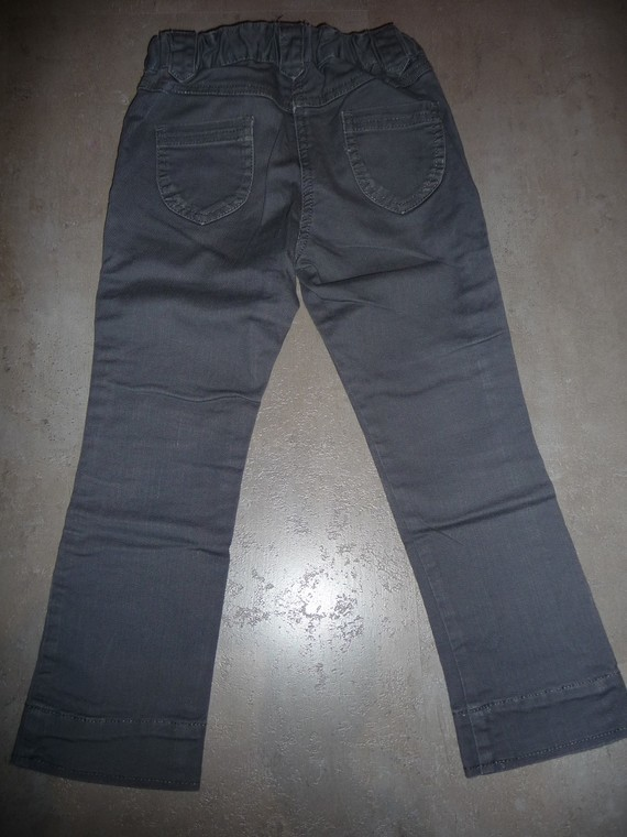 pantalon tex 5 ans 3€