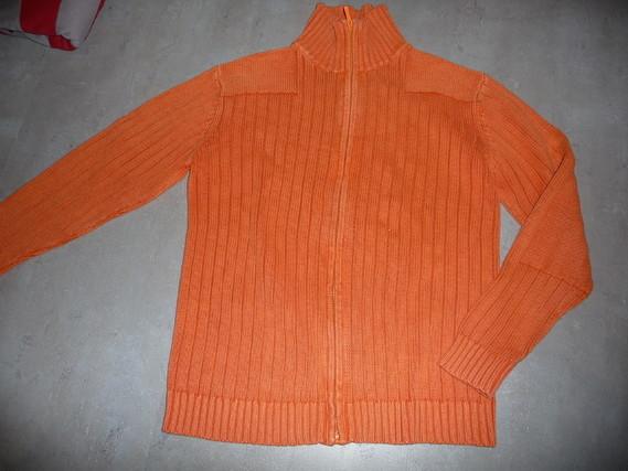 gilet orange OKAIDI 12 ans 6€
