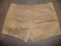 short H&M beige 44 5€