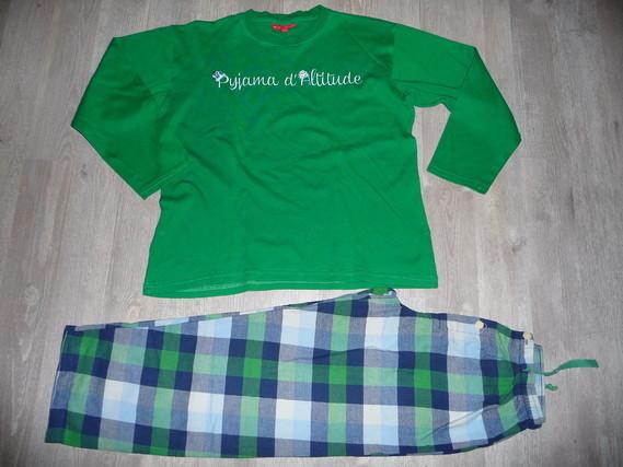 pyjama Arthur 14 ans 12€