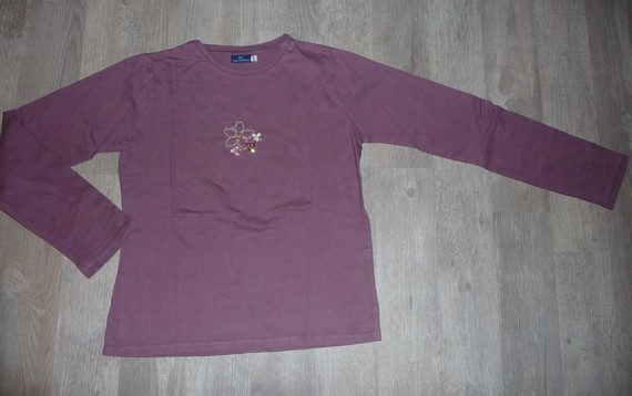 t-shirt sergent major 12 ans violet 3€