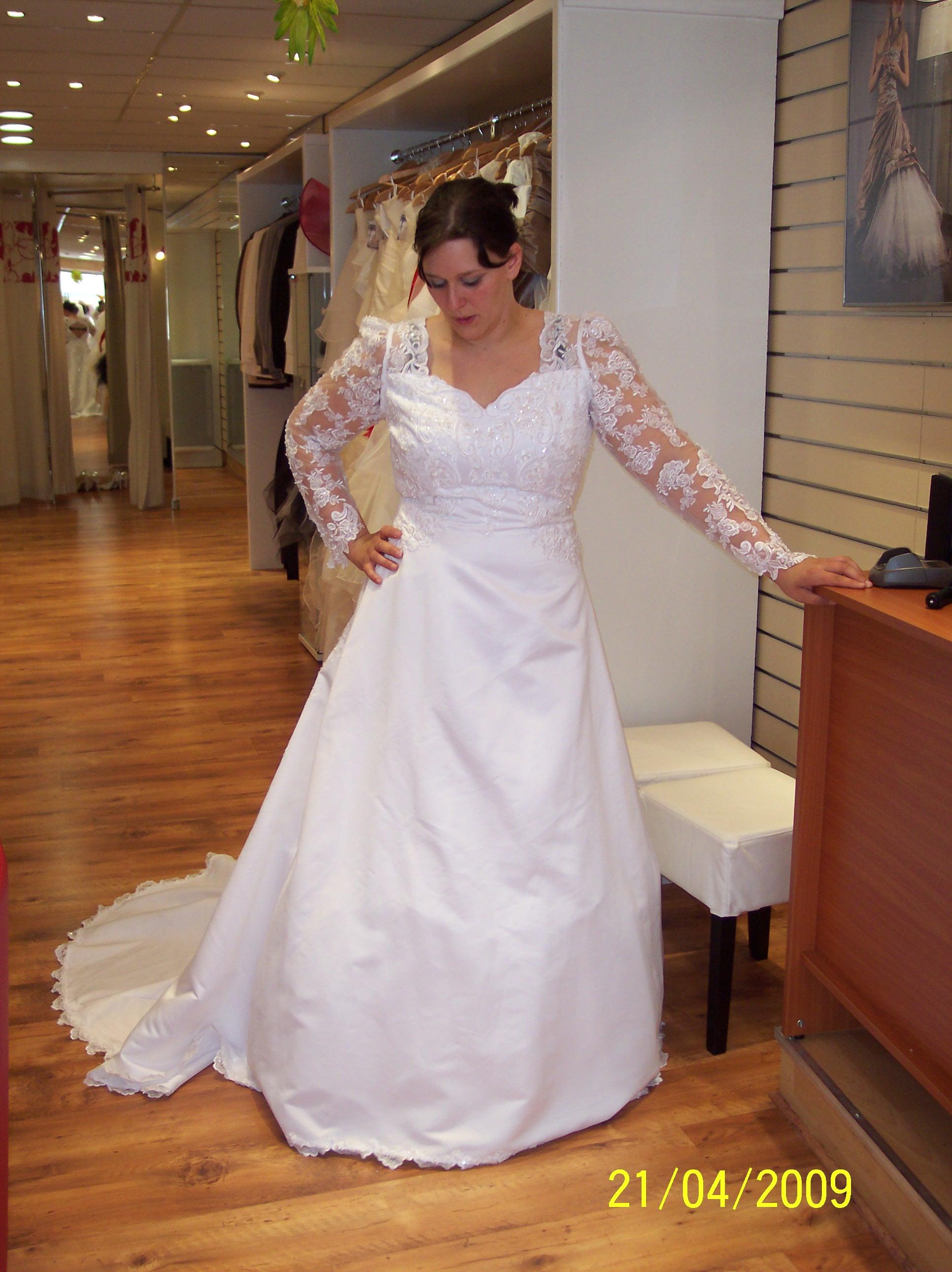 Magasin robe de mariee grande taille bordeaux