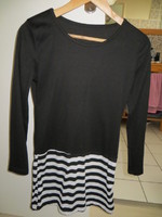 TUNIQUE NOIRE A RAYURES 2€ TAILLE S TBE