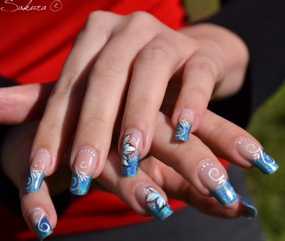 NAIL-ART-HOLOGRAPHIQUE-ARABESQUE-ONE-STROKE-10