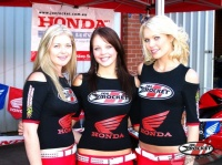 paddock girls 002