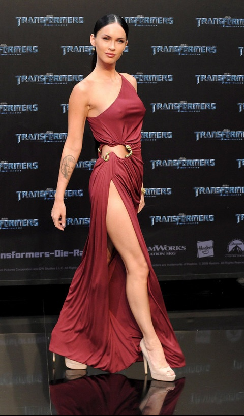 megan-foxs-red-dress-at-transformers-premiere