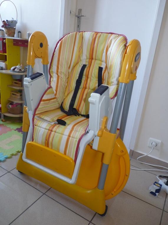 Chaise haute chicco mamma repli e 80 chaise haute for Housse chaise haute chicco mamma