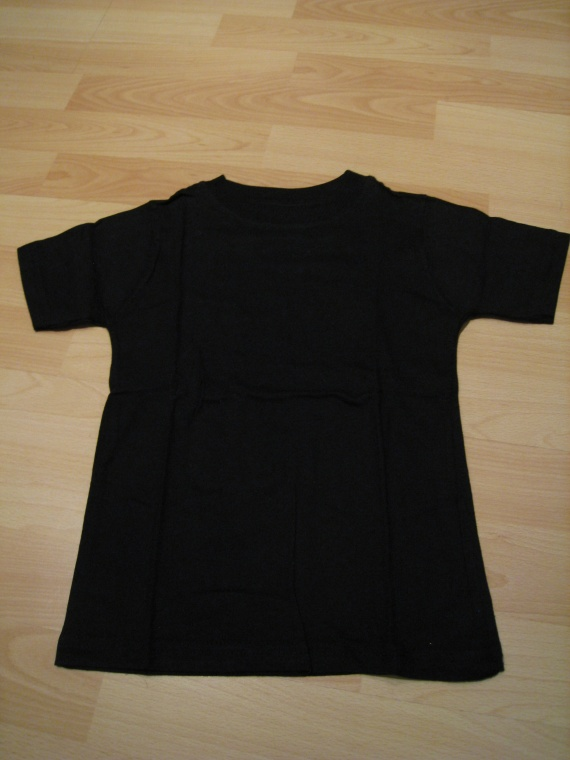 t-shirt noir, 1 euro