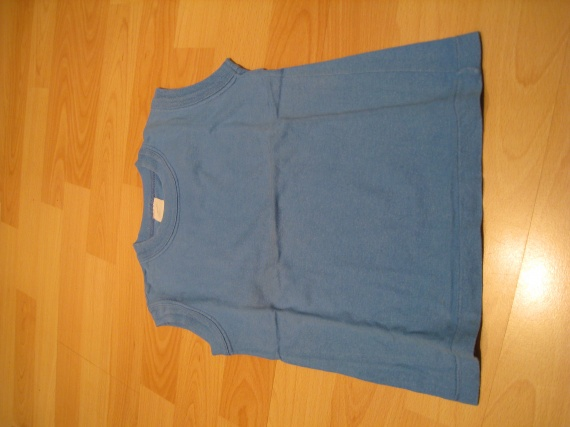 T-shirt bleu sans manches, 1 euro