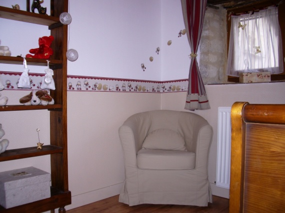 le fauteuil pour allaiter mon univers elise lola photos club doctissimo. Black Bedroom Furniture Sets. Home Design Ideas