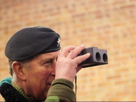 cr_mega_45_prince-charles-binoculars-490