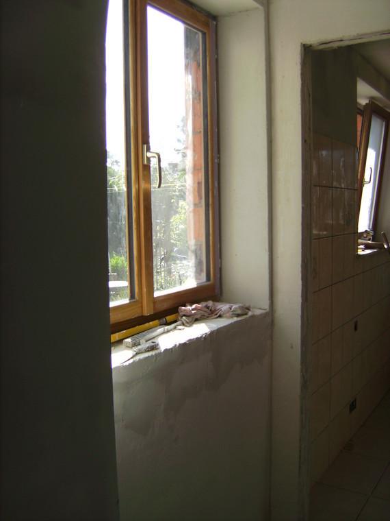 petit mur réhaussé prêt à recevoir la tablette