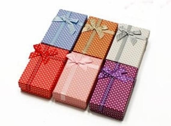 24-ecrins-a-bijoux-6-couleurs-pour-parures-3565 (2)