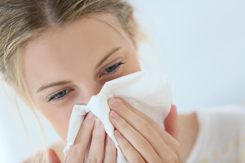 Rhume et toux, les bons réflexes donnés par un expert