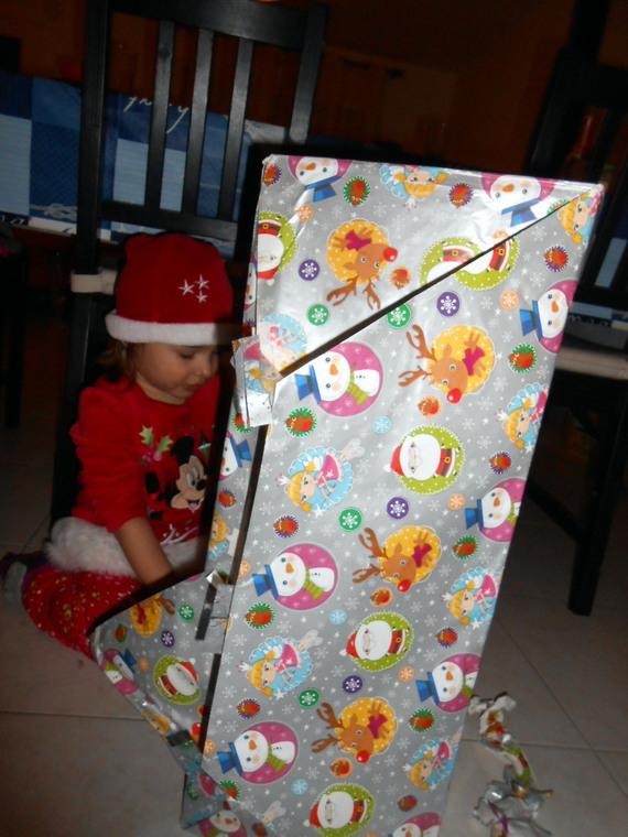 le paquet est aussi grand qu'elle ...