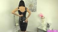 La robe Noir PVC de Cassie Clarke