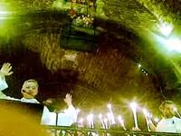 la descente des châsses dans l'église des saintes Maries de la mer - mai 2009